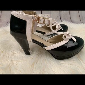 Shoes - Mary Jane heels black and white sz 9 Vero Cuoio